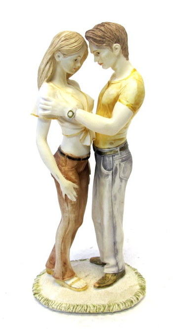 Figurine of a Young couple
