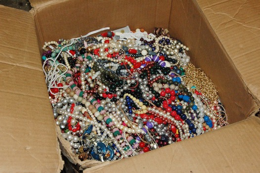 NECKLACES - ACRYLIC AND GLASS - PEARL BEADED NECKLACES - BULK - 1 LB Pound