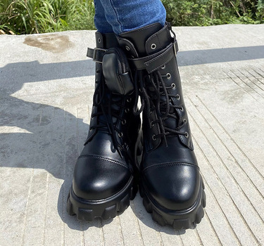 NWOB WOMANS BOOT WITH POCKET , SZ 5