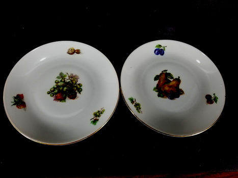 Two Kahla German Plates Hand Painted Fruit