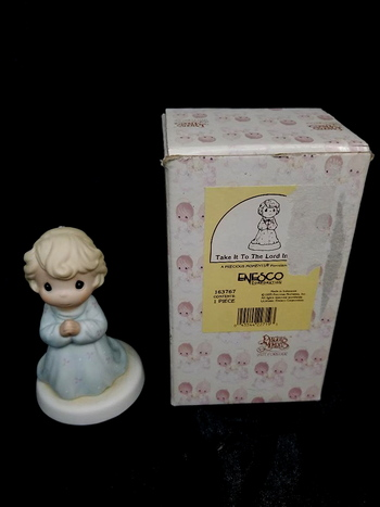 Vintage 1995 Enesco Presious Moments Figurine - Take It To The Lord In Prayer