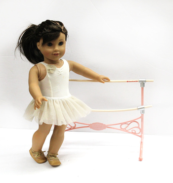 AMERICAN GIRL - DOLL With Ballet Ourfit / Bar and 10 Outfits