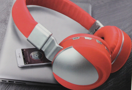 WIRELESS SPORT Noise Cancelling Over The Ear Headphones - Silver and Red
