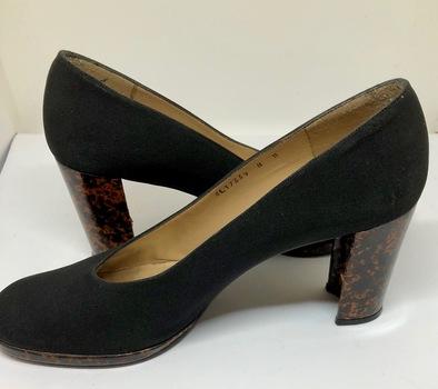 Ladies Shoes Stuart Weitzman Size 8