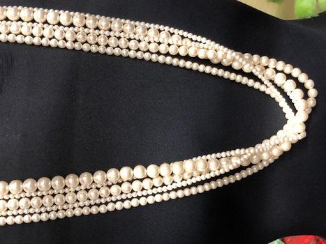 18 Pieces Faux Pearl Necklaces