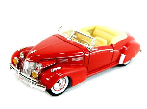 National Motor Museum Mint Co. Model Car / Collectible -1940 Cadillac Series 62 Sedan / Convertible