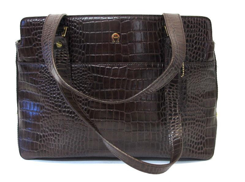 08b745cbe Etienne Aigner Designer Vintage Croc Embossed Leather Shoulder Bag ...