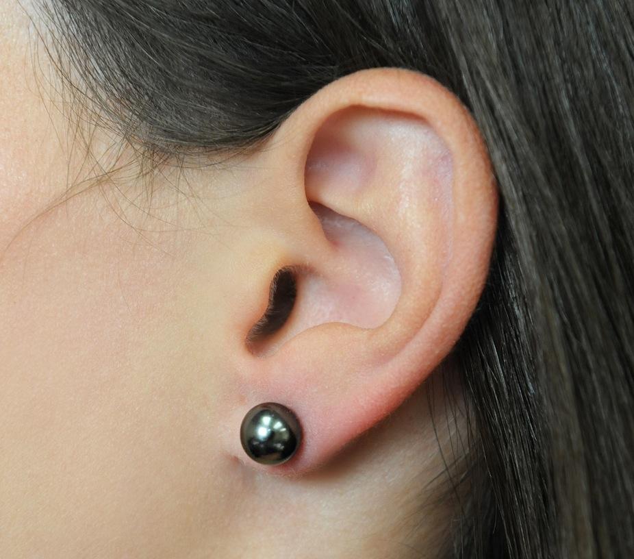 14kt Gold Tahitian Green Pearl Earrings 6 Mm 375 00