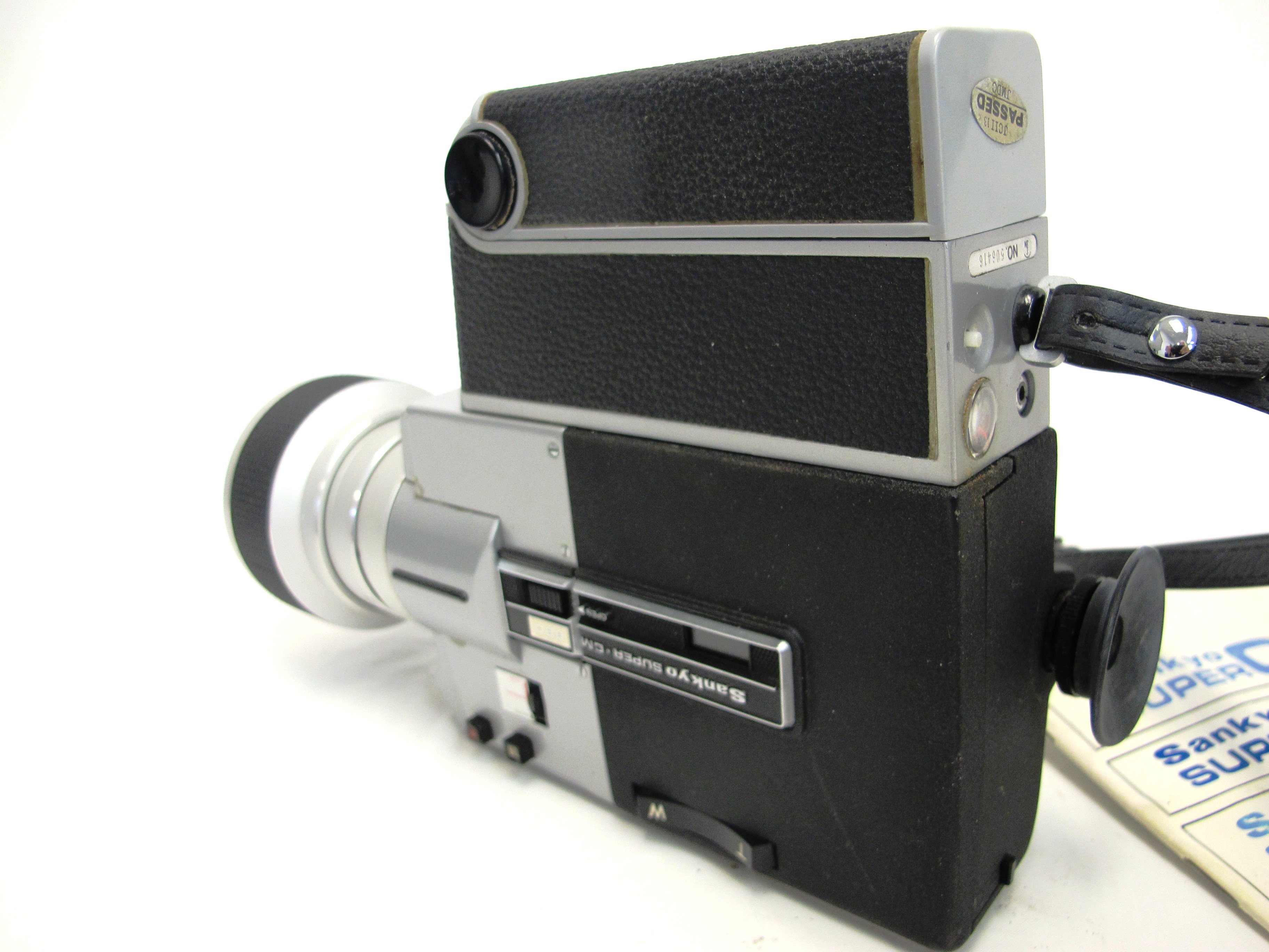 Sankyo Super CM 880 Movie Camera with Case & Manual
