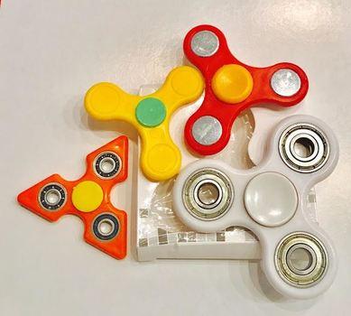 Tri Fidget Hand Spinner 4 pieces