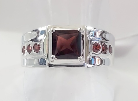 No Reserve Natural Mozambique Garnet 316L Stainless Steel