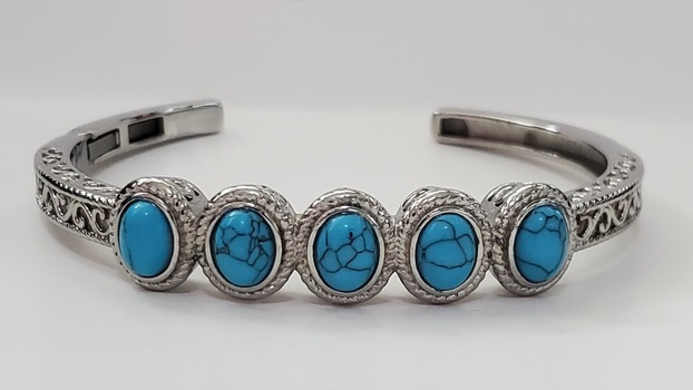 No Reserve.Blue Howlite Cuff Bracelet
