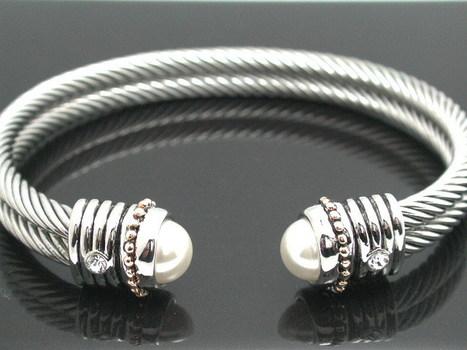7mm Pearls Calbe Bangle Bracelet