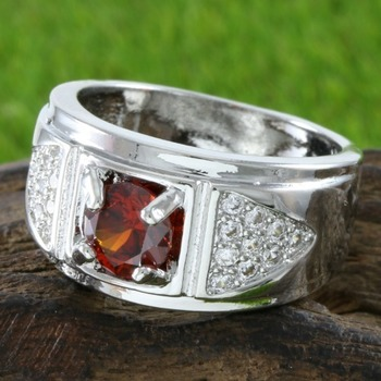 1.00ctw Garnet & White Sapphire Ring Size 7