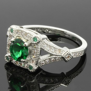 1.08ctw Emerald & White Sapphire Ring Size 6.5