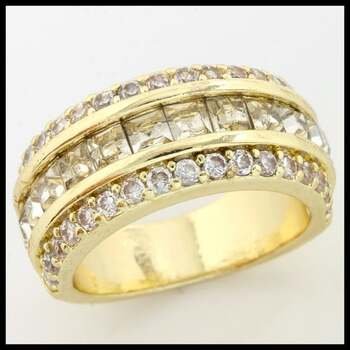 1.10ctw (AAA Grade) CZ's Ring size 6