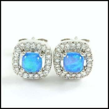 1.15ctw AAA+ Grade Blue and White Cubic Zirconia Stud Earrings