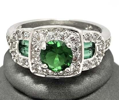 1.23ctw Emerald & White Sapphire Ring