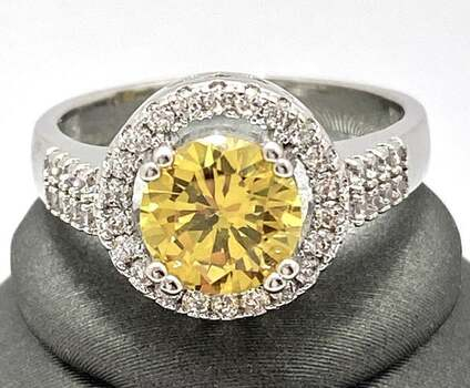 1.25ctw Beautifully Created Citrine and White Sapphire Ring