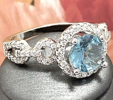 1.25ctw Blue & White Topaz Ring Size 7