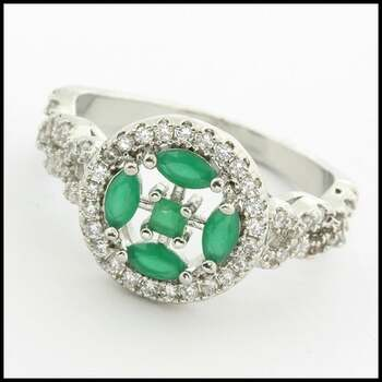 1.25ctw Emerald & White Sapphire Ring Size 7