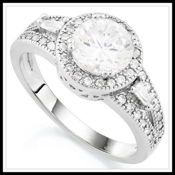 1.25ctw White Sapphire Ring size 7