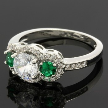 1.33ctw Emerald & White Sapphire Ring Size 7