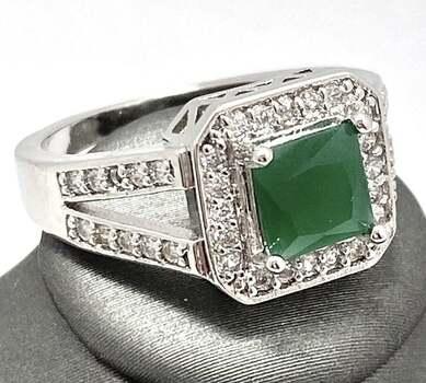 1.40ctw Emerald & White Sapphire Ring