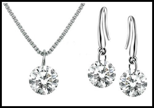 1.40ctw White Sapphire Set Of Necklace & Earrings
