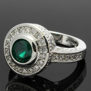 1.58ctw Emerald & White Sapphire Ring Size 6.5