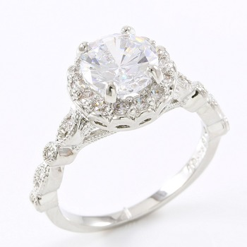 1.80ctw White Sapphire Ring sz 7
