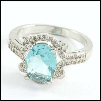2.0ctw Blue Topaz & White Sapphire Ring Size 6
