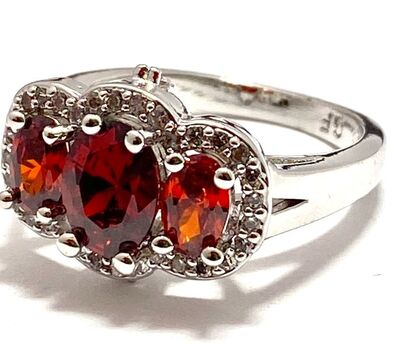 2.50ctw Beautifully Created Garnet & White Sapphire Ring Size 7