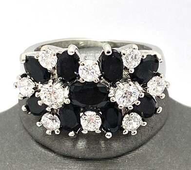 3.50ctw Black & White Sapphire Ring