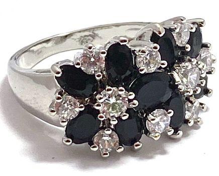 3.50ctw Dark Blue & White Sapphire Ring Size 7