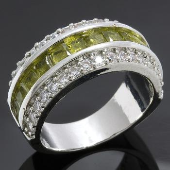 3.55ctw Peridot & White Sapphire Ring size 7 3/4