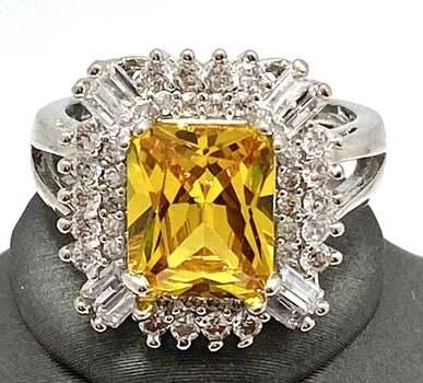5.10ctw Yellow & White Topaz Ring