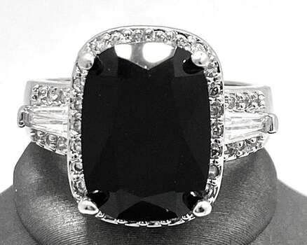 9.10ctw Black & White Sapphire Ring size 7