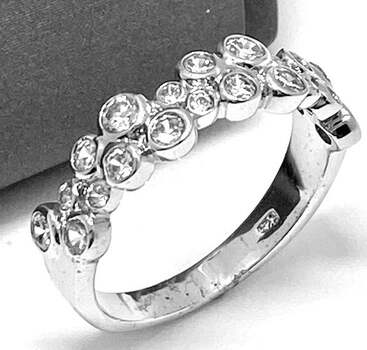 .925, 1.00ct Round Cut Diamonique Diamond Band Ring in Solid Sterling Silver