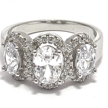 .925 Sterling Silver, 1.94ctw (AAA Grade) Cubic Zirconia Ring size 6