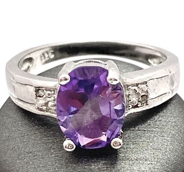.925 Sterling Silver 3.15ctw Genuine Amethyst Ring Size 6