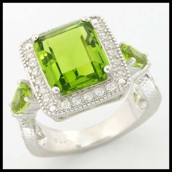 .925 Sterling Silver, 5.50ctw Peridot & White Sapphire Ring sz 8