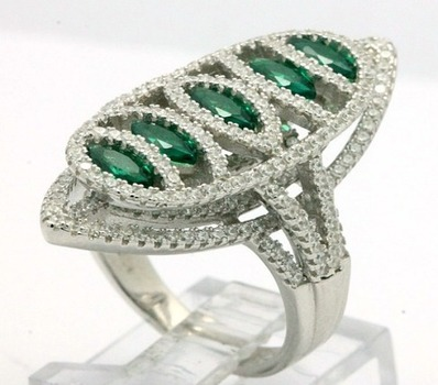 .925 Sterling Silver, 5.65ctw Emerald & (AAA Grade) CZ's Ring sz 7