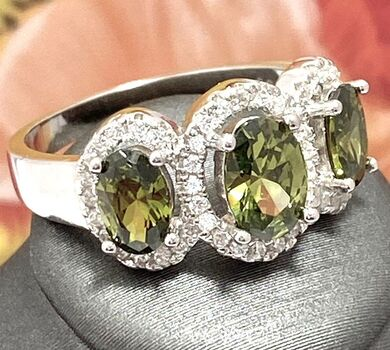 .925 Sterling Silver AAA Grade Green & White CZ Ring Size 7