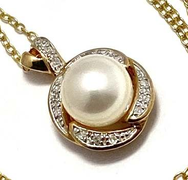 Authentic Lorenzo .925 Sterling Silver, 0.062ctw Genuine Diamond & 3.4ctw White Fresh Water Pearl Necklace