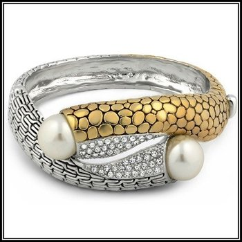 Beautifully Created Fine 1.20ctw White Sapphire & 18mm Freshwater Pearls Bracelet