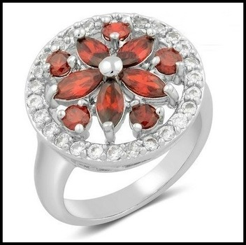 Beautifully Created Fine Garnet & White Sapphire Ring Size 7