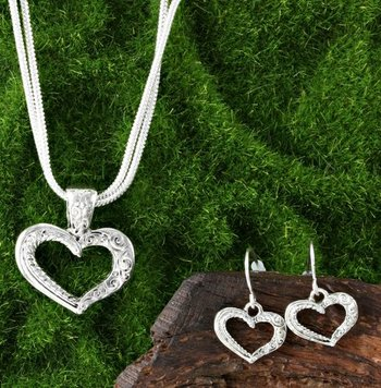Filigree Design Heart Shape Set of Necklace & Earrings