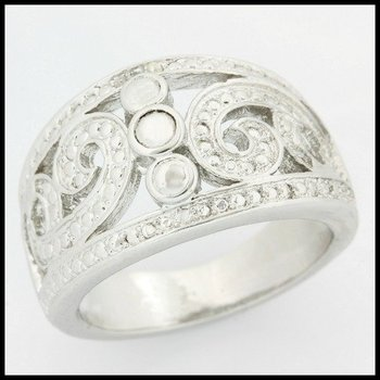 Fine Jewelry Brass with 3x Gold Overlay Diamond Accent Ring Size 8
