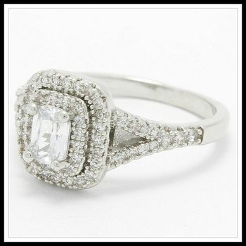Fine Jewelry Brass with 3x Gold Overlay White Sapphire Ring Size 7.5